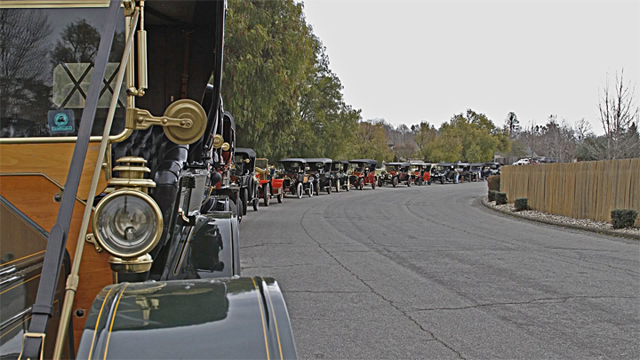 VideoStill Horseless Carriages_720p.jpg